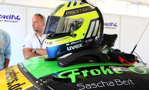 Sascha Bert: PRESTIGE CARS Helm